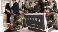 嫌犯劫持8名人质 武警官兵紧急处置