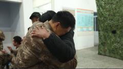 一級軍士長李軍朝:軍功章里有家人的付出和榮耀