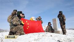新春走基層·軍營里的年味:軍嫂踏上巡邏路