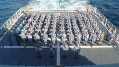 【新春走基层·记者在战位】海军远海联合训练编队战位上过大年