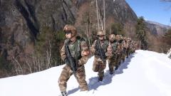 【新春走基層·記者在戰位】海拔5360米 邊防官兵踏雪巡邏
