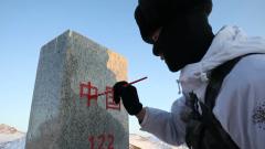 """【新春走基层 记者在战位】塔克什肯边防连:""""国门卫士""""踏雪迎新春"""