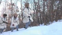 軍迷小分隊雪地徒步行軍 這種體驗充滿挑戰