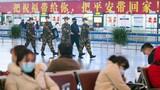 武警廣西總隊南寧支隊官兵與民警在機場內巡邏執勤。