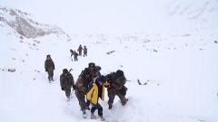 """""""感觉脸都冻僵了!"""" 海拔5418米 摄制组与边防官兵一同踏上巡逻路"""