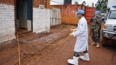 暖心!中国赴刚果(金)维和医疗分队深入尼泊尔维和营开展防疫消杀服务