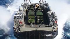 """LCAC气垫艇:从海向岸""""不沾水""""登陆利器"""
