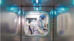火神山医院收治第二批确诊患者