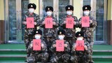 武警新疆總隊機動第三支隊的官兵們給父母送上的祝福。