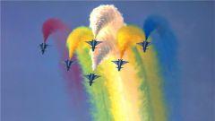 空军八一飞行表演队进行检验性飞行
