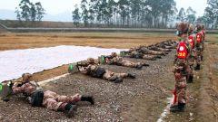 陆军第77集团军开展新年度实弹射击考核