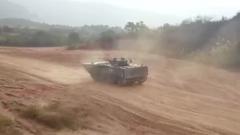 陆军第73集团军某合成旅:装甲车跨昼夜实弹射击训练