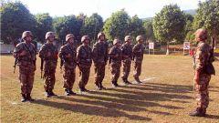 南部战区陆军某边防旅四连开展共同科目训练