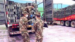 【打贏疫情防控阻擊戰】湖北:多地物資急需轉運 武警官兵全力奮戰