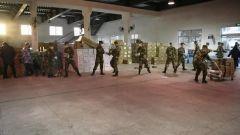【直通疫情防控一線】武警湖北總隊協助地方轉運物資