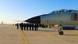 2月22日,海军航空大学某团在做好疫情防控的同时严格按照新大纲要求,积极稳妥推进节后飞行训练。