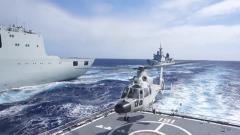 海軍遠海聯合訓練編隊展開戰時補給演練