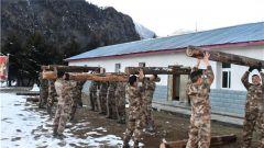 西藏军区某边防团开展体能强化训练 夯实官兵素质基础