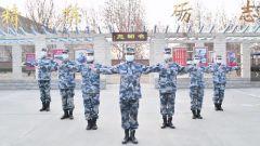 空军官兵以手势舞演绎歌曲《平凡天使》,致敬抗疫一线医护人员,为武汉加油!
