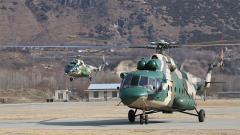 【第一军视】高原峡谷腾云驾雾!西藏军区某陆航旅跨高海拔飞行训练