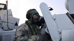 跨昼夜训练 多科目淬火——海军信阳舰实战化训练掠影