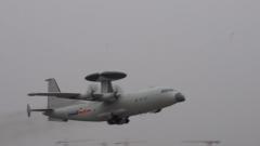 東部戰區海軍航空兵某師開展偵察預警訓練
