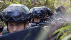 热图直击!武警玉林支队组织特战队员开展实战化训练
