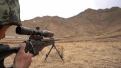 弹无虚发 高原狙击手挑战特种射击