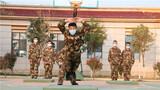 """练兵备战没有暂停键,连日来,武警某部交通二支队在做好疫情防控工作的同时,组织官兵开展实战化军事训练,进一步提升官兵的军事素质和作战能力,全力打造""""多能高效、能打胜仗、全面过硬"""" 的抢险救援精兵队伍。"""