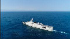 南海海域 舰艇编队跨海区实弹射击训练