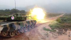 陸軍某綜合訓練基地組織炮手專業學兵進行戰斗射擊考核