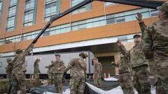"""杜文龙:""""亡羊补牢"""" 美国派出国民警卫队加入抗疫一线"""