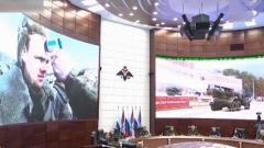 杜文龙:防控疫情防范美国 俄罗斯防化部队演习逐步全面展开