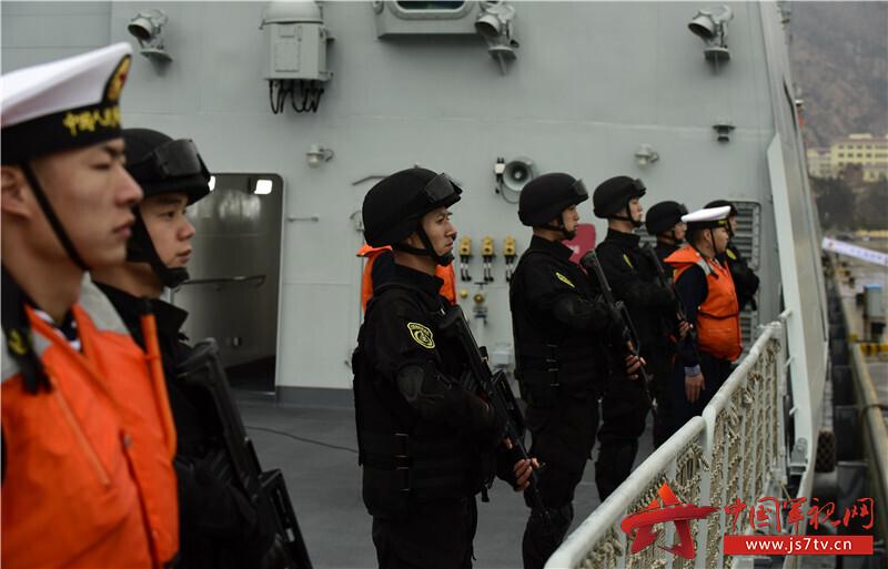 特战队员在甲板列队  来永雷摄 (6)