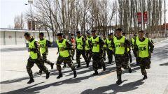 武警甘肃总队执勤支队严密组织机关干部军事考核
