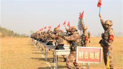 一切向實戰看齊!陸軍第 77集團軍某旅嚴密組織階段性基礎訓練考核