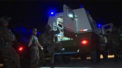 武警特戰隊員夜間城市反劫持演練
