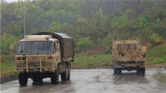 陸軍第77集團軍某旅駕駛復訓隊以老帶新 錘煉過硬保障能力