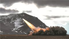 超燃!西藏军区某炮兵旅开展实弹综合演练