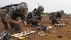 陸軍第72集團軍某旅組織高強度單兵基礎戰術技能考核