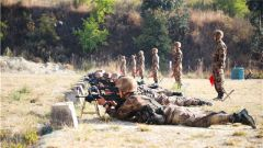 比武場上論英雄!陸軍第75集團軍某旅組織新兵專業考核