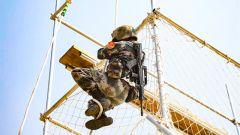 陸軍第75集團軍某旅開展班組協同戰術演練