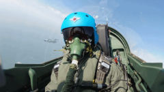 海军航空大学:飞行员协同编组 对海岸目标实施攻击