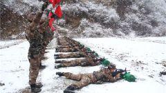 不惧风雪练射击 从严从难强本领