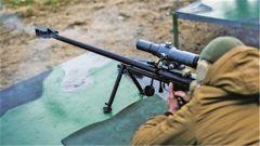 俄军练习用狙击步枪打直升机