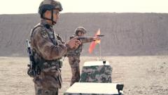 武器分解结合与射击 战队队长展开较量