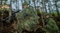 密林砺剑!武警广西总队机动支队开展山林地反恐综合演练