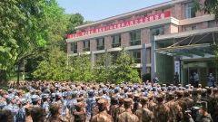 军队支援湖北医疗队挥手告别战斗岗位