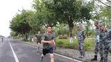 兵可千日不战,但不可一日不练。近日,陆军第77集团军某旅组织开展军事体能比武竞赛,旨在全面检验前期训练质效,激发广大官兵的参训热情,切实提升部队的军事训练水平和实战能力。