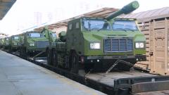 【第一军视】再添利器!新型火炮霸气列装